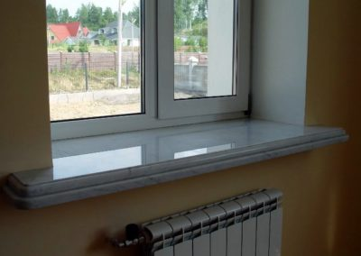 Мраморный подоконник с подклейкой. Мрамор Bianco Carrara.